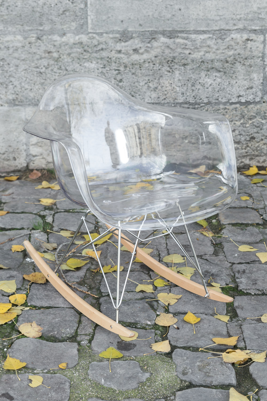 quai-de-seine-chaise-eames