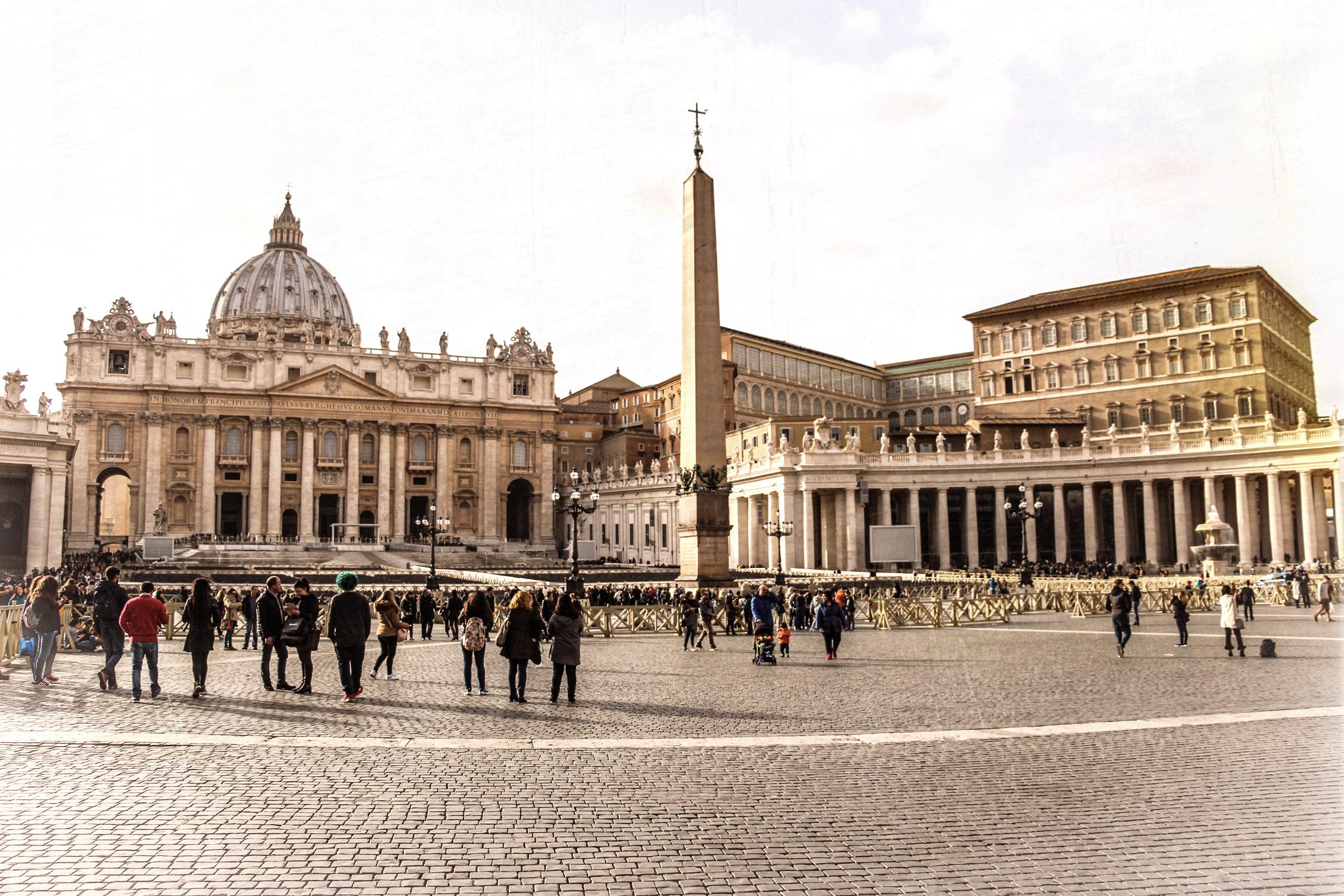 rome vatican place saint pierre