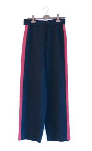 MANGO pantalon hyper large bande rouge et blanche - 15€
